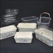 Bakker og kasser til frugt og bær
